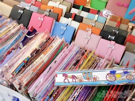 ソウル 東大門 南平和市場 エルメス ツイリースカーフ