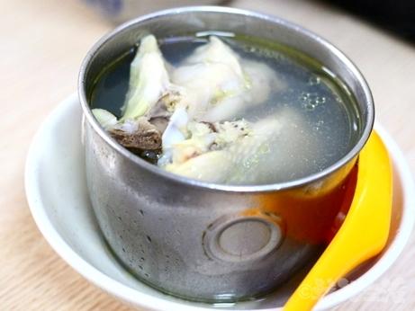 台湾グルメ 金峰魯肉飯 魯肉飯 スープ