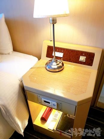 台湾旅行 ホテル 三徳大飯店 サントスホテル 民権西路 コンセント