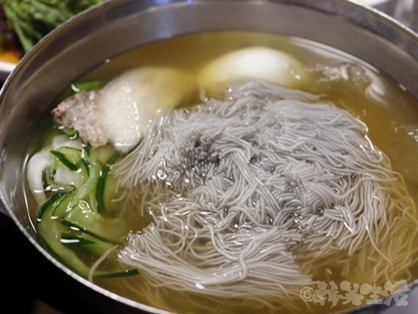 韓国グルメ 明洞 乙支路 焼肉 コプチャン ホルモン 良味屋 冷麺
