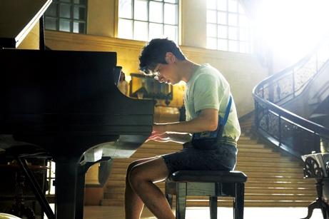 映画 韓国映画 イ・ビョンホン それだけが僕の世界 ピアノ ハン・ジミン