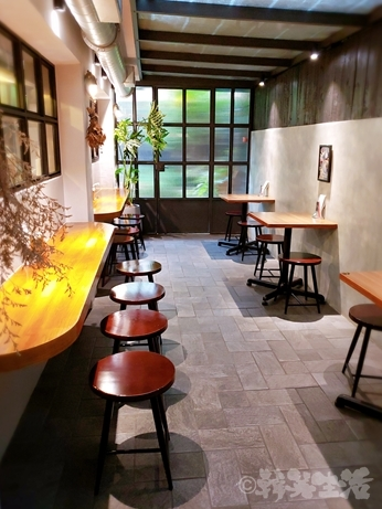 台湾グルメ 四川料理 KIKI餐廳 KiKi麺 麺専門店 拌麺