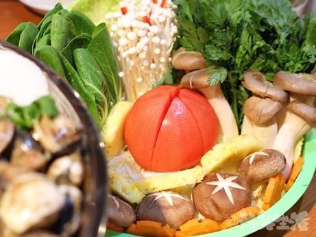 ベトナムちゃん 大久保 レモングラス鍋 野菜