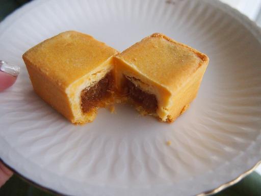 パイナップルケーキ-アンバサダーホテル3