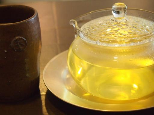 ノッグルカジロニ-お茶