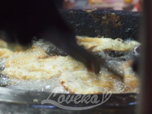 夜市の葱油餅-調理中2