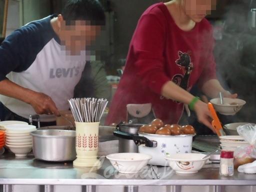 車庫油飯-厨房