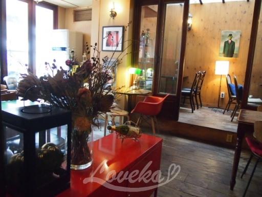 atozカフェ-店内1