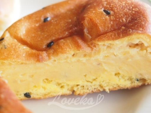8紅花堂-カボチャクリームチーズパン2