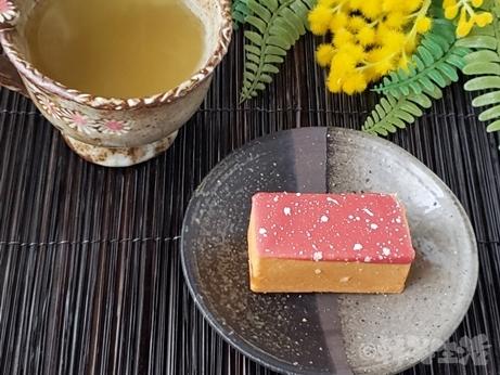 台湾スイーツ パイナップルケーキ SunnyHills いちごりんごケーキ マクアケ