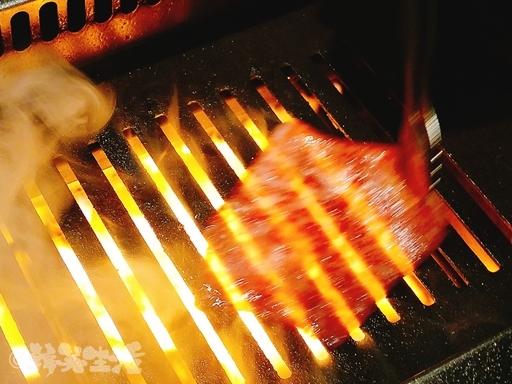 焼肉ジャンボ 本郷 肉寿司