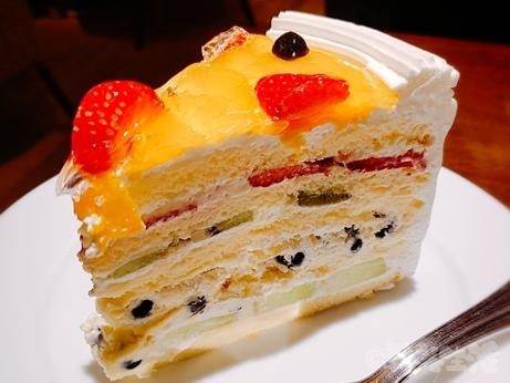 新宿 カフェ ハーブス HARBS ケーキ ミルクレープ