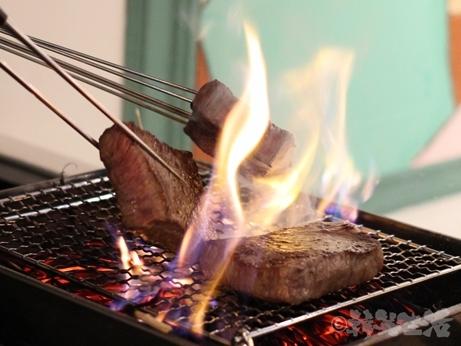 四ツ谷 アンテラス 鉄板焼き 美笑牛の藁焼き