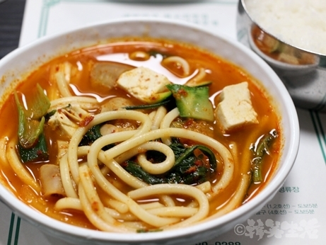 韓国グルメ ソウル 良味屋 ホルモン コプチャン コプチャンジョンゴル ホルモン鍋