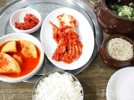 韓国グルメ ソウル 鐘路3街 ディープ 鐘路ソルロンタン 朝食