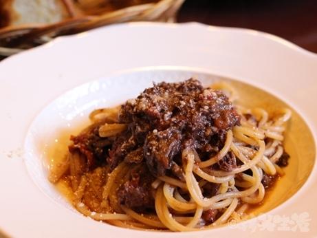 神楽坂 ランチ 肉イタリアン カルネヤ 短角牛 ミートソース