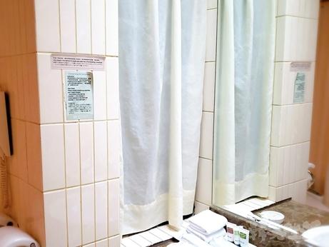 台湾旅行 ホテル 三徳大飯店 サントスホテル 民権西路 バスタブ