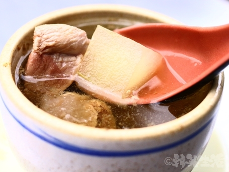 台湾グルメ 大橋頭 阿蘭大鼎魩仔魚炒飯 しらすチャーハン スープ