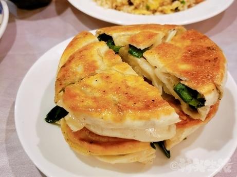 台湾グルメ 松満楼 小籠包 葱油餅
