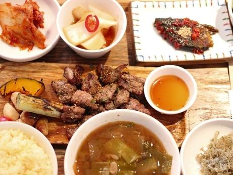 ソウル 上水 慶州食堂 ランチ 焼肉定食 モクサル
