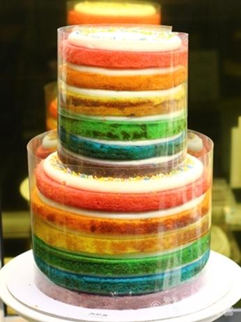 ソウル 東大門 ドレドレ レインボーケーキ