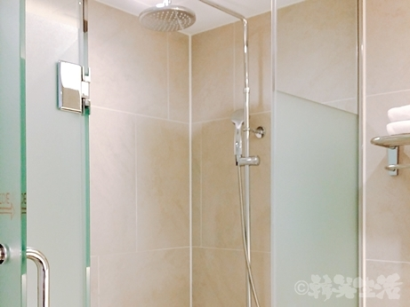 ソウル 東大門 ホテル トラベロッジ イビスアンバサダー シャワー