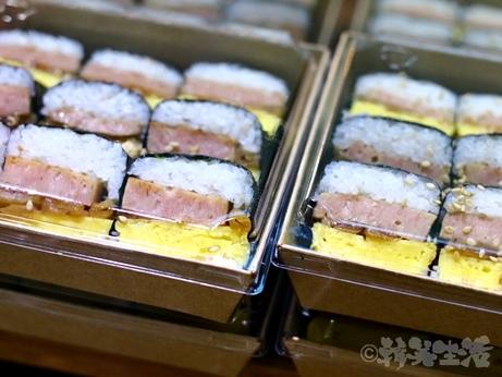 韓国グルメ キンパ 海苔巻き ソウル駅 朝食 アボカドキンパ ソウルジョンシン スパムキンパ