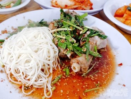 韓国グルメ 大韓屋 永登浦 新吉 コリスユク 牛テール 麺