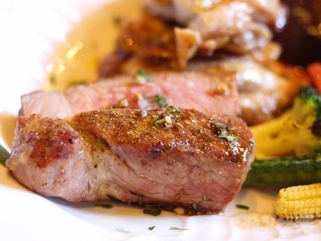 神楽坂 ランチ 肉イタリアン カルネヤ ステーキ 盛り合わせ アンガス牛 ポーク