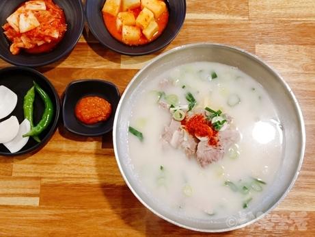 韓国グルメ 東大門 新堂 ハドンジン コギグクス デジクッパ 朝食