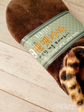 韓国 市場 防寒 靴下 起毛 ヒョウ柄