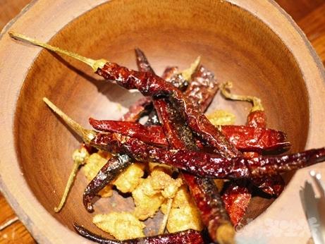 広尾 白金 恵比寿 中華料理 蓮香 チワン族 なんこつ