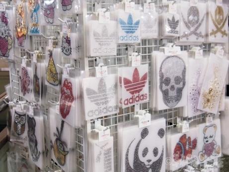 東大門総合市場 アイロンシート ラインストーン シンソン シャネル アディダス