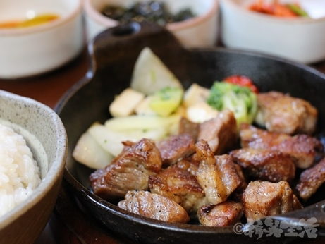 韓国グルメ ソウル 仁寺洞 ひとり焼肉 モクサル定食 トマ