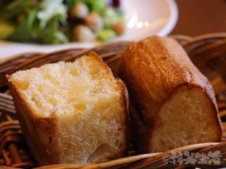 神楽坂 ランチ 肉イタリアン カルネヤ ステーキ 盛り合わせ アンガス牛 ポーク パン