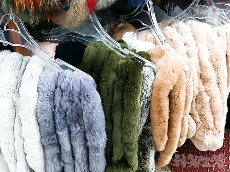 ソウル 東大門 平和市場 ファー マフラー 買い物