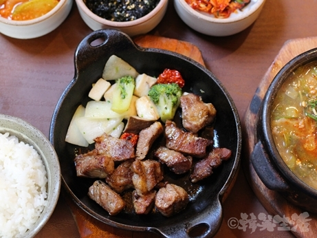 韓国グルメ ソウル 仁寺洞 一人焼肉 トマ モクサル定食
