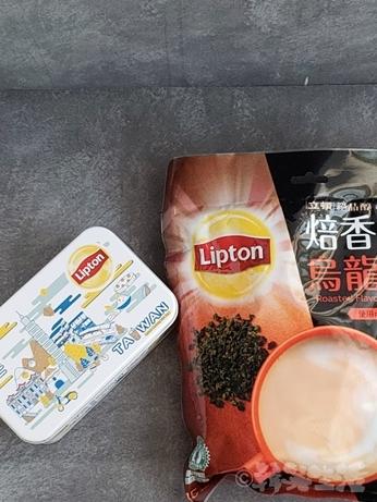 台湾土産 リプトン 立頓 烏龍ミルクティー 缶入り