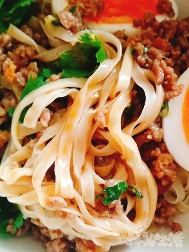 塩水意麺 ラー油 肉味噌