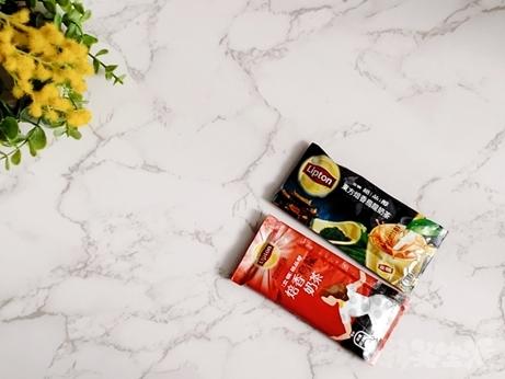 台湾土産 台湾スーパー Lipton リプトン 焙香烏龍奶茶 ウーロンミルクティー