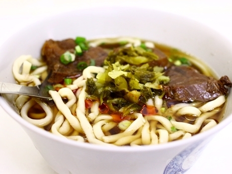 台湾グルメ ミシュラン 牛肉麺 建宏牛肉麺 北門