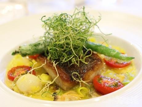 京橋 サカキ ランチ ミシュラン 土曜 魚