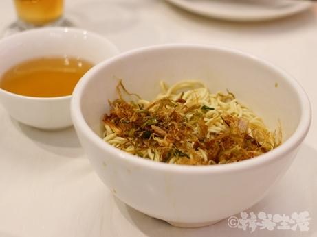 クリスタルジェイド 担々麺 翡翠拉麺小籠包 葱油乾撈拉麺