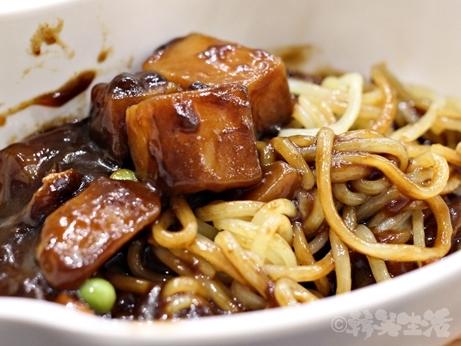 韓国グルメ ソウル 24時間営業 食堂 ちゃんぽん ジャージャー麺 ジャジャン麺