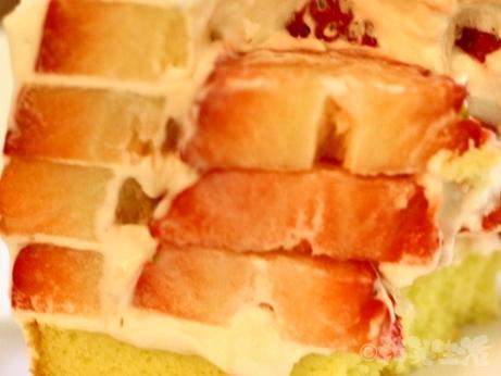 韓国 ソウル カフェ 安国 仁寺洞 苺ケーキ ブロンズ